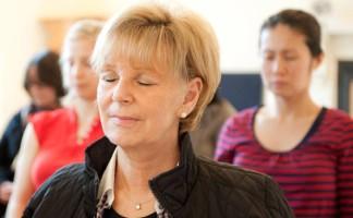 meditating-group